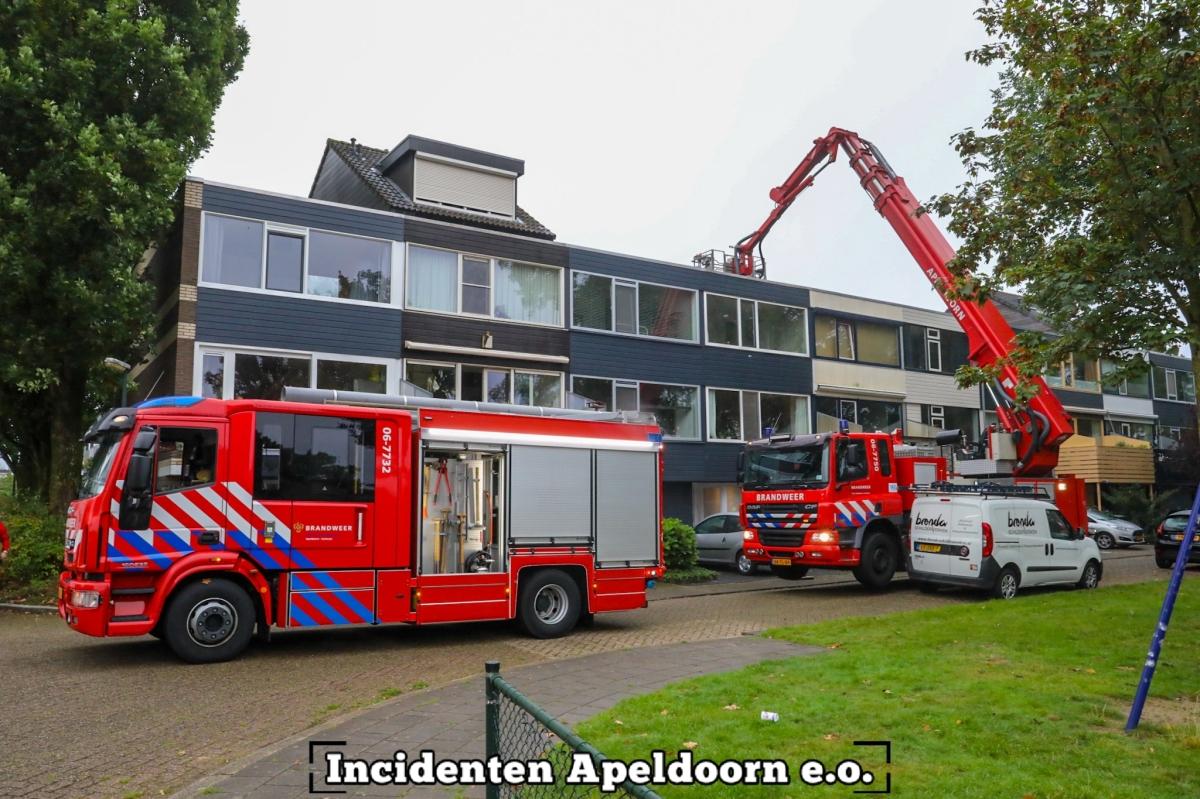 #Apeldoorn - Schoorsteenbrand aan de Anijsstraat in Apeldoorn.